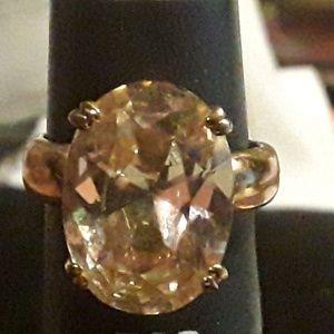Sz 9 Fashion Ring..Yellowish Stone